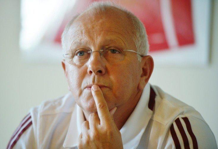 Hungary football coach Egervari quits after record defeat
