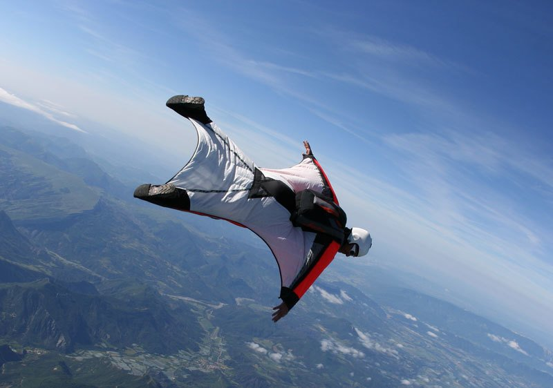 Tragedy: Hungarian wingsuit flyer found dead after crash