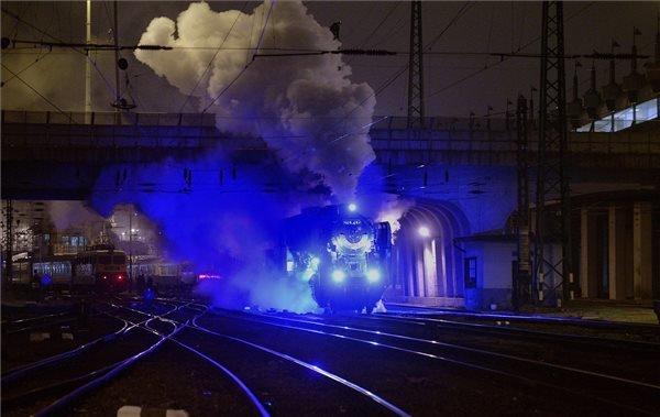 The Renovated 424,247-inch Steam-Engine Inaugurate In Nyugati Railway Station