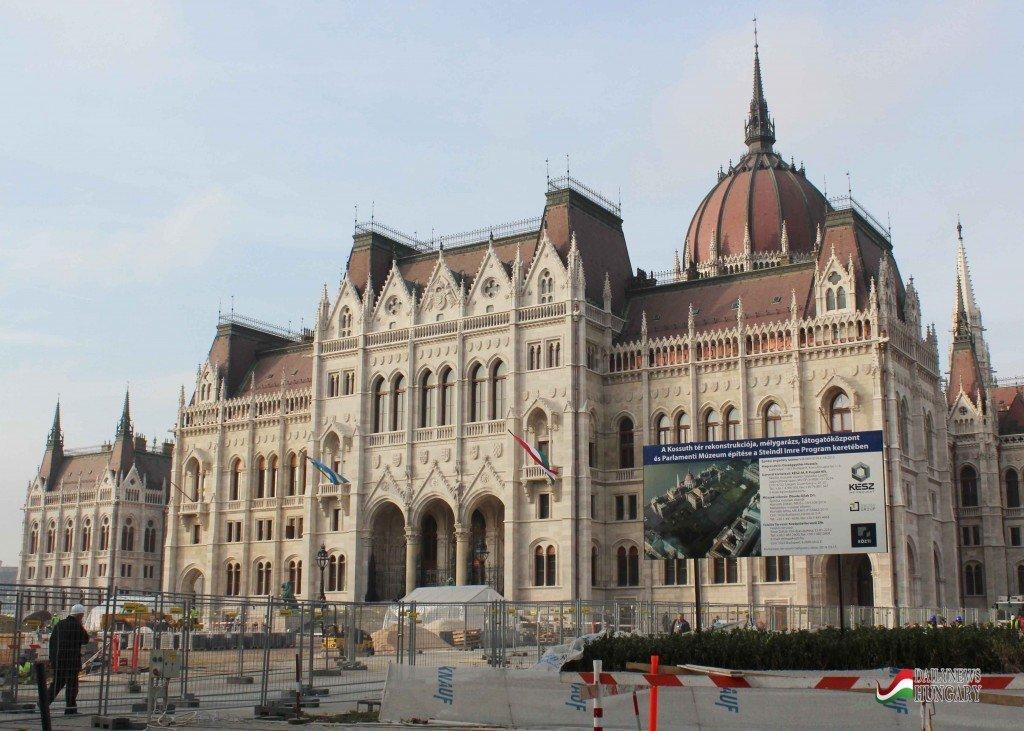 Hungarian-Parliament-4