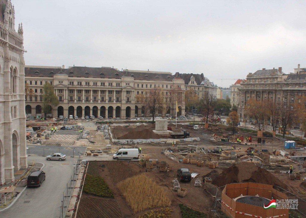 Hungarian-Parliament-5
