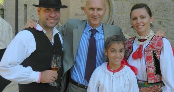 Hungarian scientists on US West Coast establish club