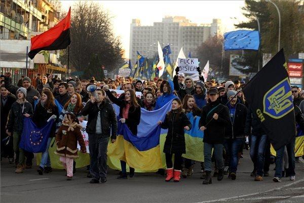 Hungarian Government: Ukraine violence unacceptable