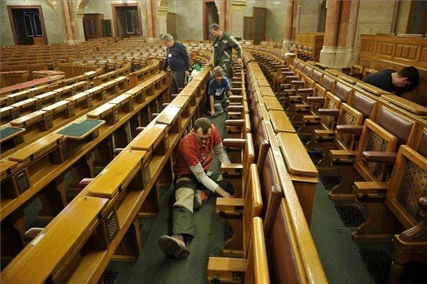 hungarian parliament-transforming-7