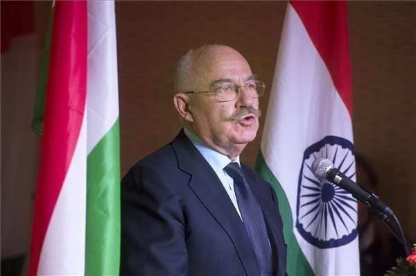 India changes history non-violently, says Foreign Minister