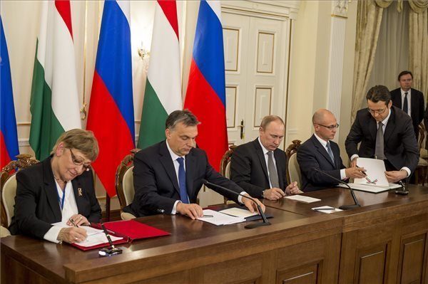 Hungary and Russia sign agreement on Paks nuclear power plant