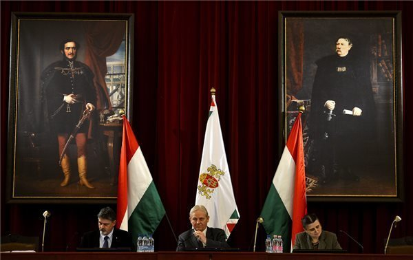 Budapest City Council approves 2014 budget