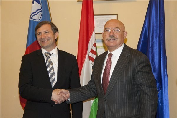 Hungarian, Slovenian FMs mark bilateral minority protection agreement anniversary