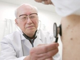 Number of doctors working after retirement down
