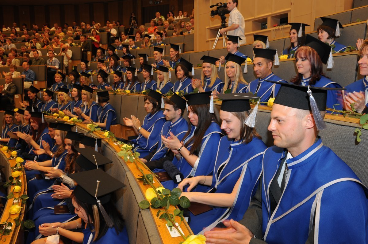 Situation of graduated people in Hungary