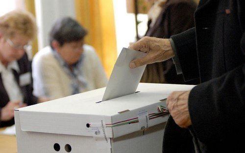 Fidesz win certain, size of victory to shape race