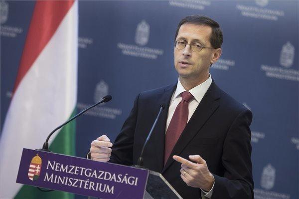 Economy Minister: Hungary To Post Big Trade Surplus