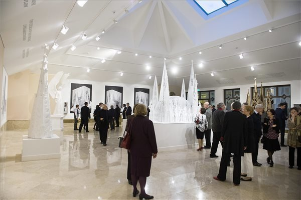 Makovecz Exhibition in Vigadó until 21 September 2014