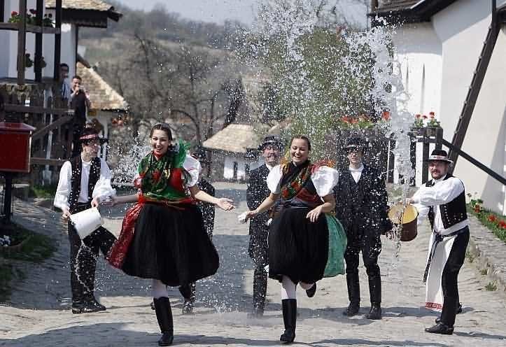Hollókő Hosts Traditional Easter Festival