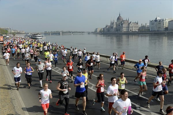 Recompense for roadblocks: Budapest gains million of euros from running competitions