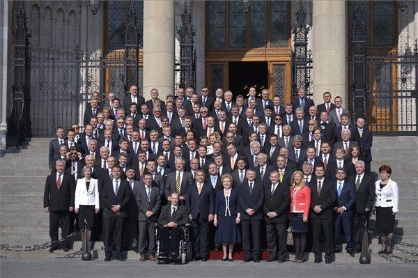 Fidesz: New Parlt To Discuss Law On Govt Structure, Remuneration Next Week