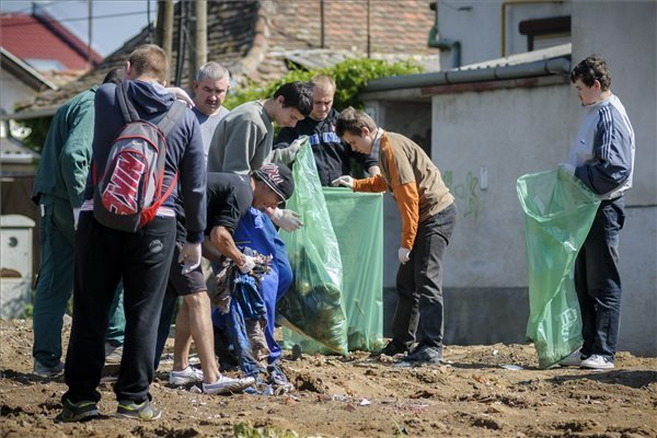 Record Number Of Volunteers Join Hungary Clean-Up This Year