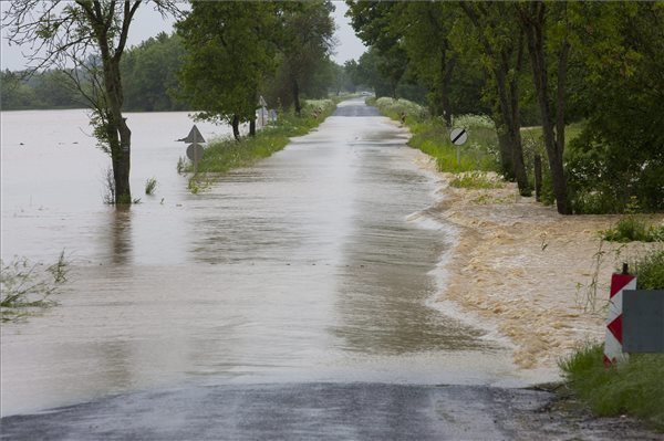 Floods – Hungarian Rivers Need Protection, Says Official