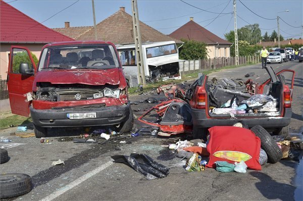 Five Romanians Die In NE Hungary Crash