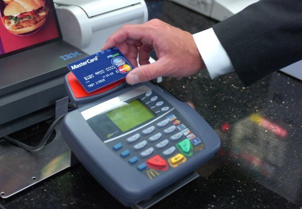 Hungarians Prefer Using Bankcards Or Cash?