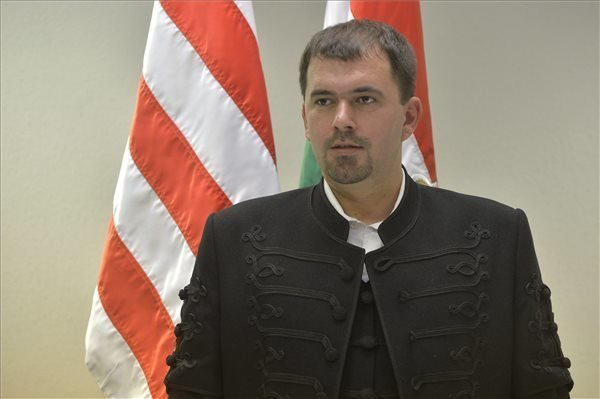 Jobbik Calls On Government To Protest Against Enlisting Of Ethnic Hungarians In Ukraine