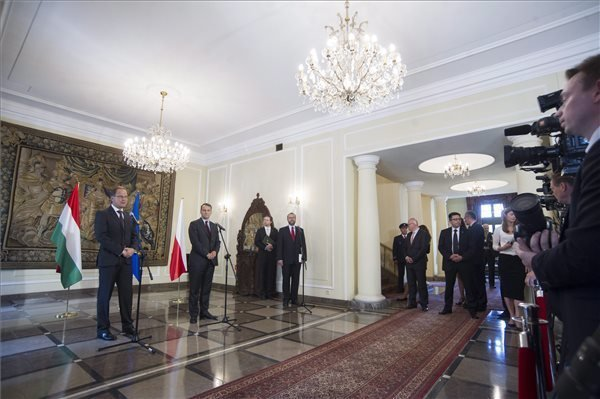 Foreign Minister Navracsics: Poland, Hungary support independent, democratic Ukraine