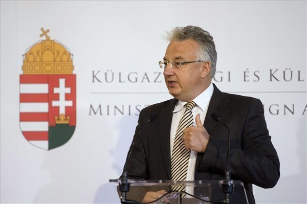 Deputy prime minister praises policy towards Hungarians abroad