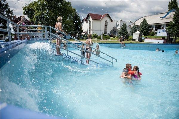 Hungarian Baths Had 31 Million Guests Last Year