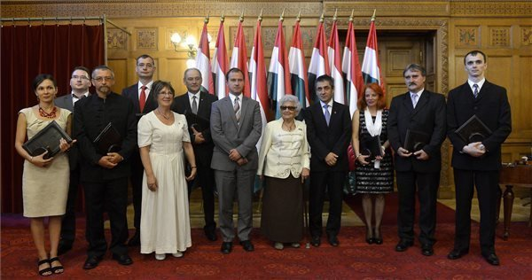 Eleven Awards Granted to Hungarians Abroad