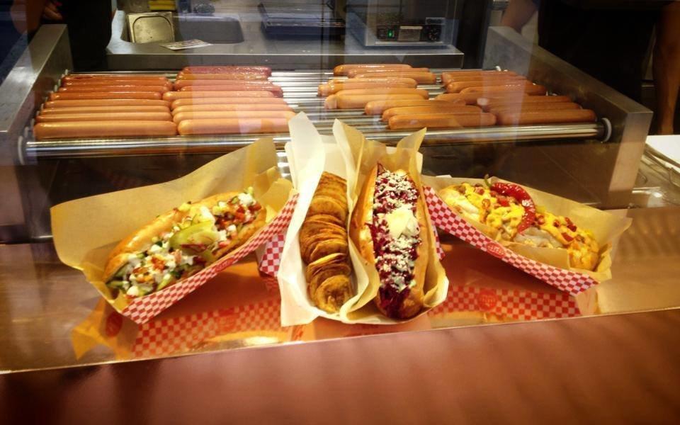 Hot Dog Heaven near the Basilica