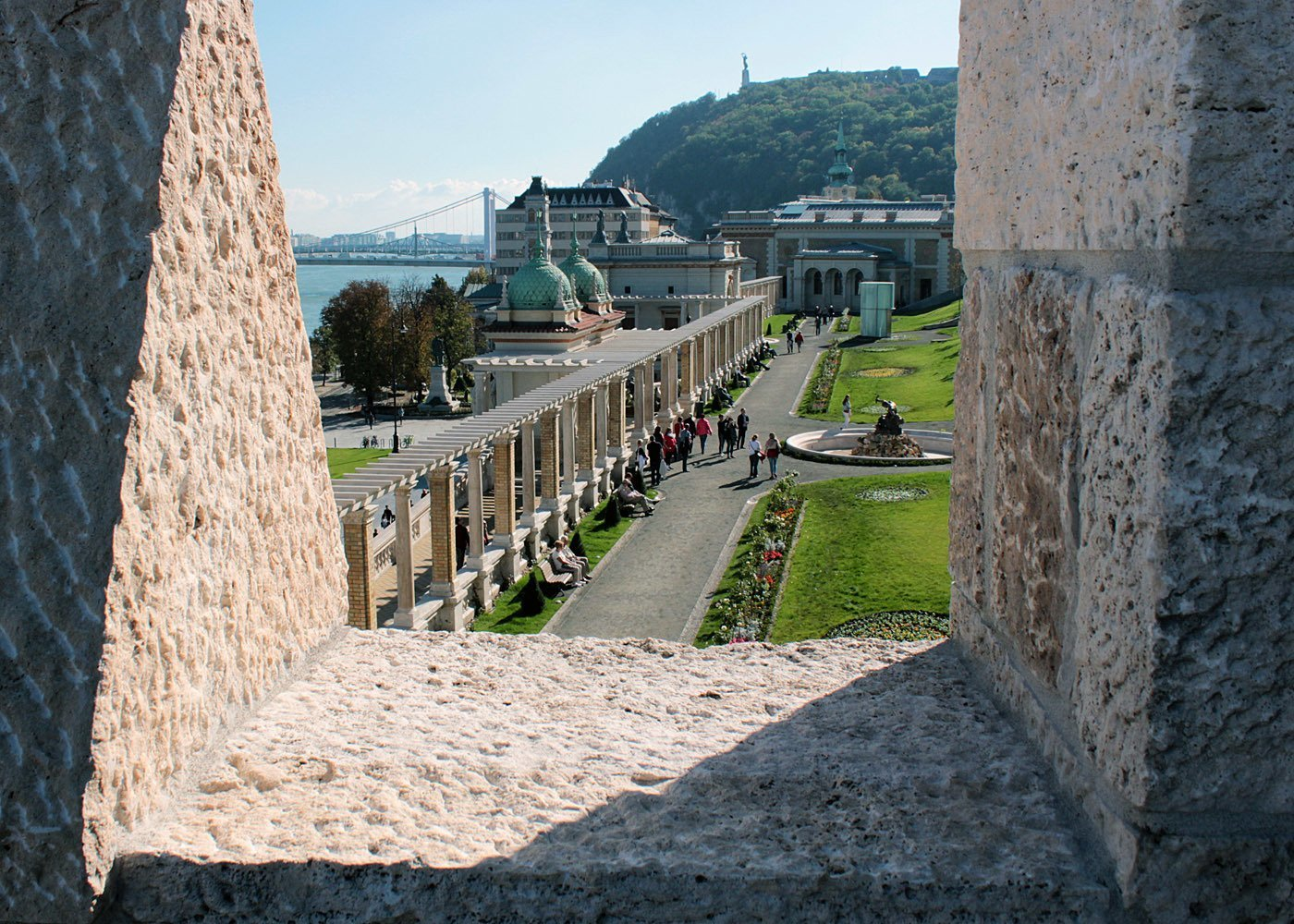 Horse fell to death from Buda Castle