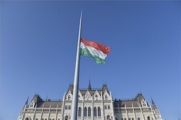 Flag at Parliament Lowered to Half-Mast on 1956 Anniversary – Photos