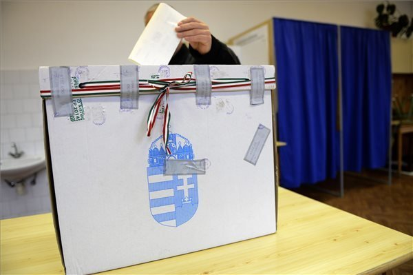 Socialists Win By-Election in North Budapest