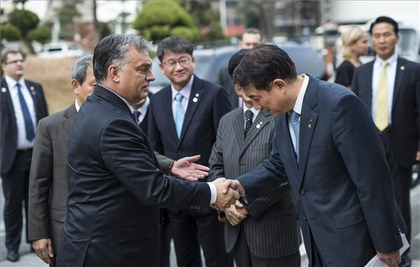 EU can succeed again with new leaders, says Orban in Seoul
