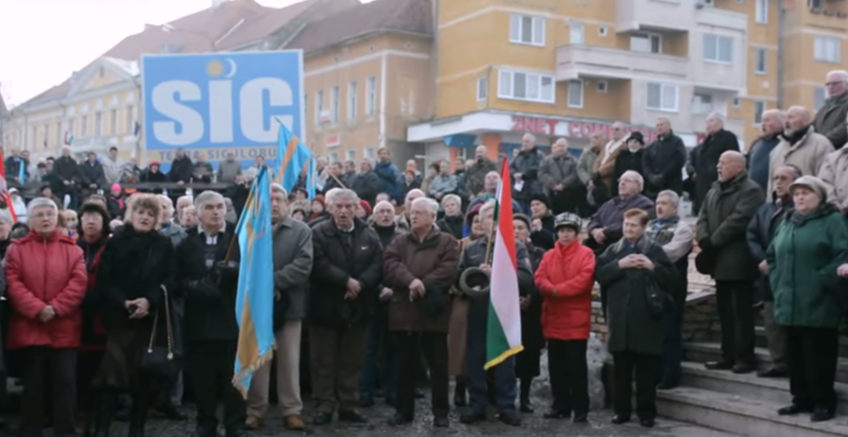 Demonstration in Romania: Many hundreds of Hungarian sang the national prayer in Szeklerland – VIDEO