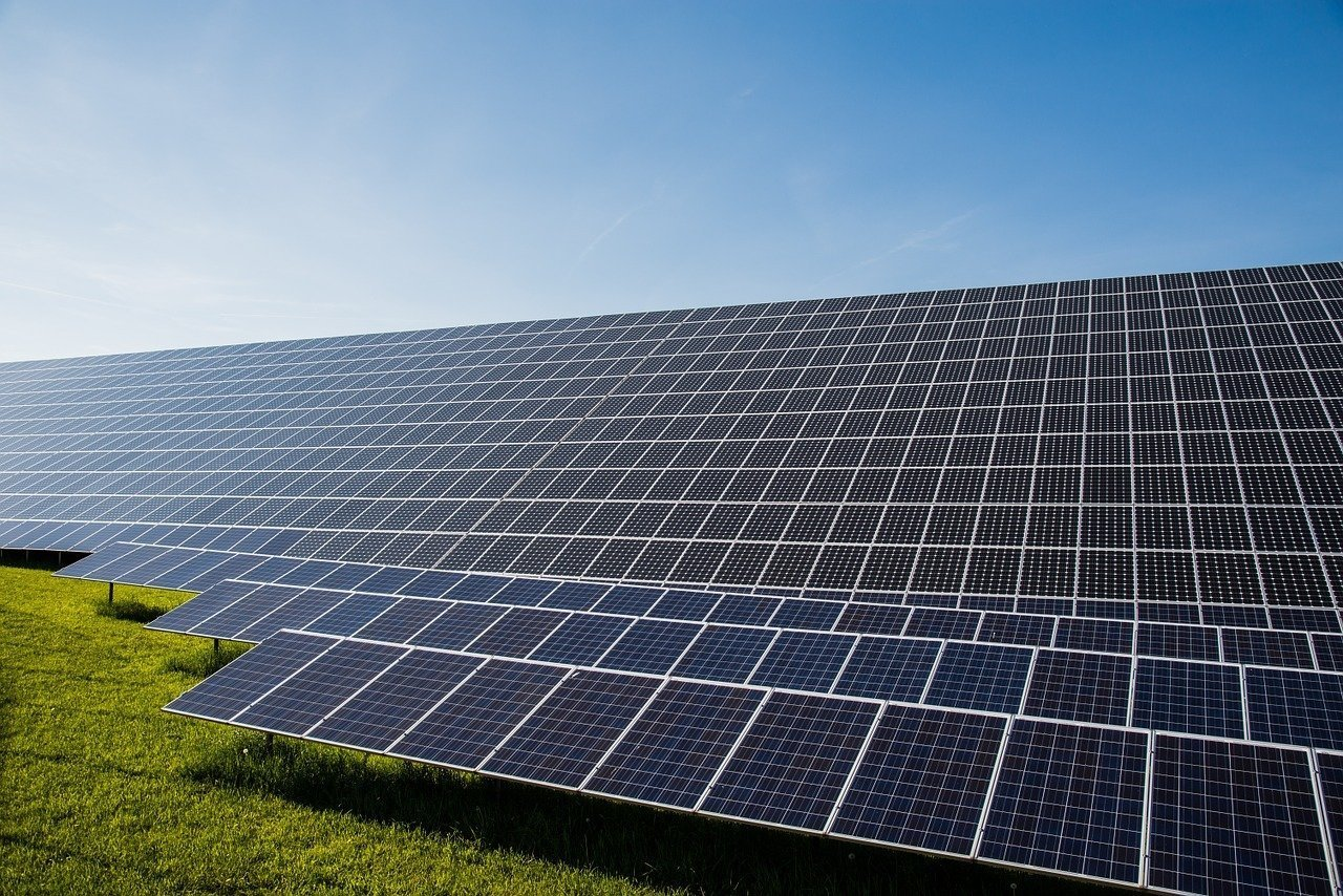 Hungary solar power capacity could reach 2,100 MW by end-2018