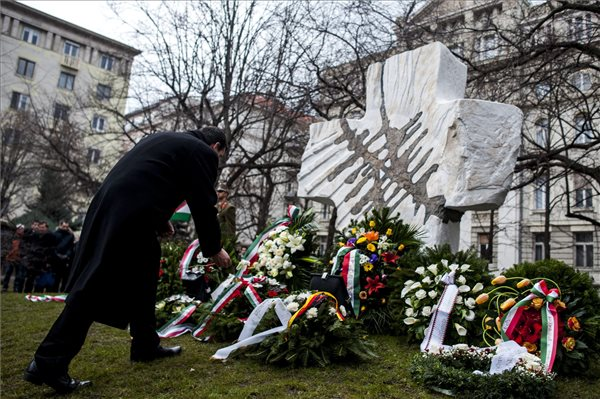 Hungary pays tribute to victims of communism, forced labour camps