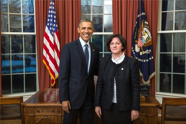 New Hungarian ambassador presents credentials in White House