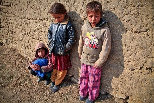 children-gypsy-poor