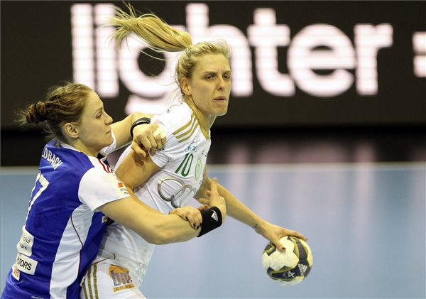 Győr continue form in EHF Champions League
