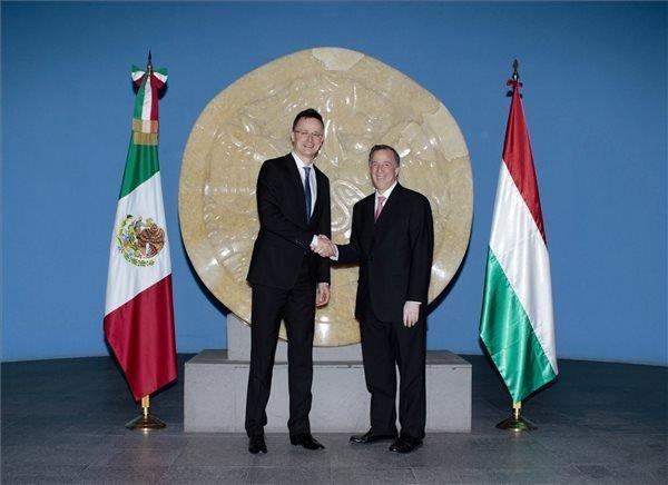 FM Szijjarto opens Hungarian trading house in Mexico
