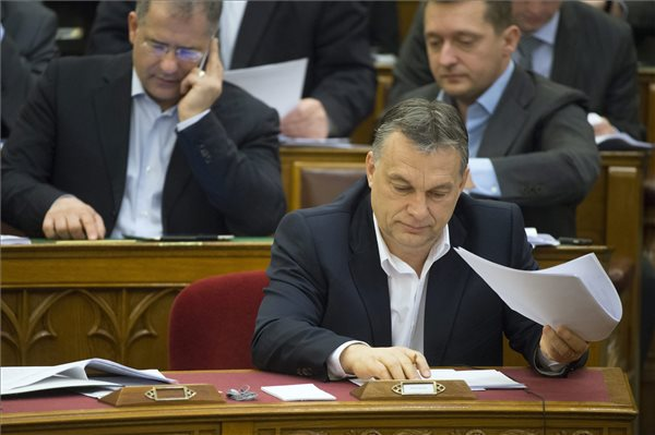 """Orban """"unacceptable"""" in Europe, says opposition Egyutt, Socialists"""