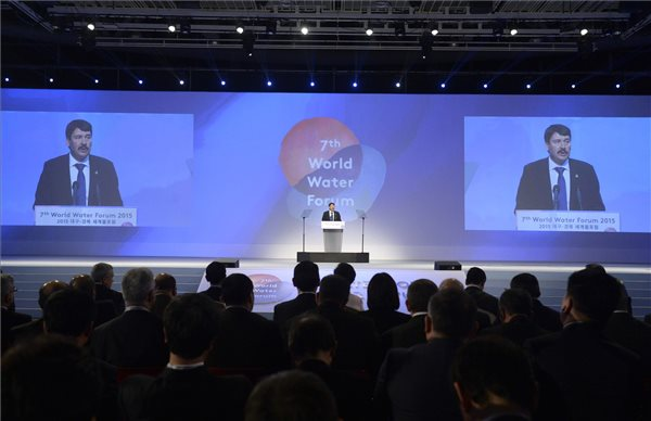 President Ader opens World Water Forum
