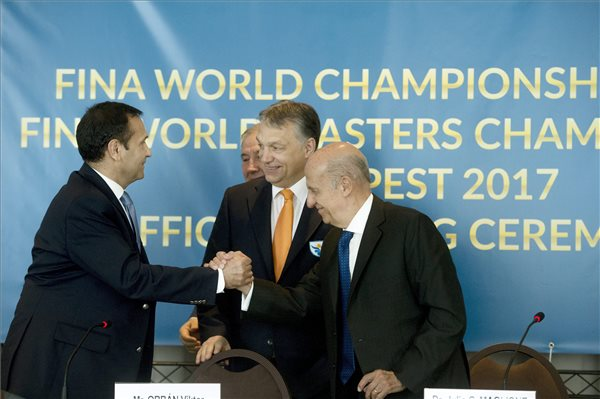 Orban, FINA chief sign agreement on 2017 world championships