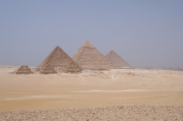 Hungary signs tourism agreement with Egypt