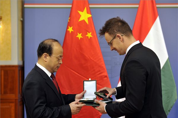 Foreign Minister Péter Szijjártó honored outgoing Chinese Ambassador in Budapest