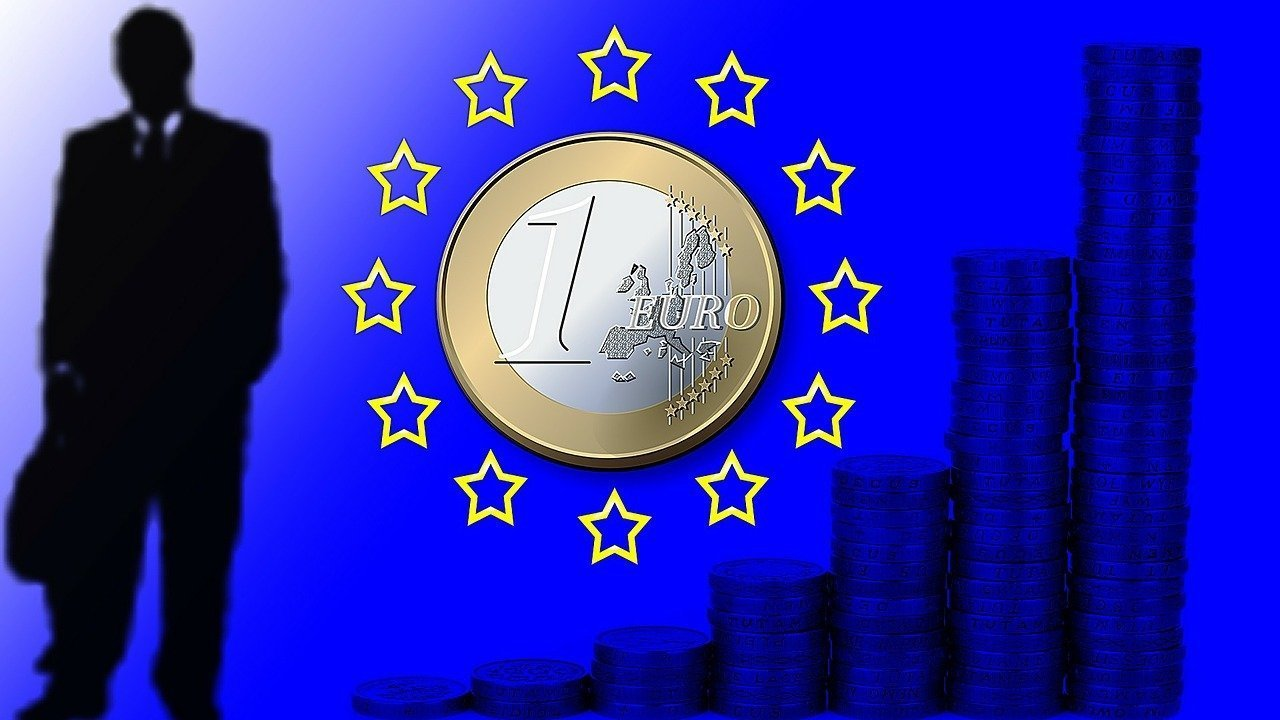 European Commission puts Hungary 2016 GDP growth at 2.1 pc