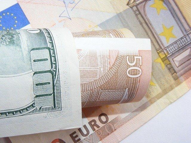 Former Jobbik MEP suspected of cheating with EP expense reimbursement