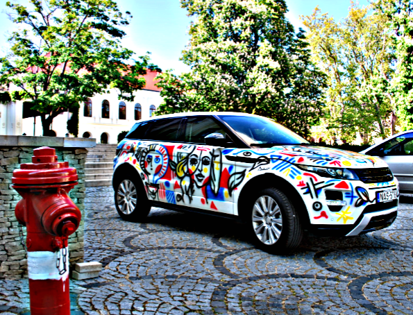 PABLO PICASSO'S ART OVER RANGE ROVER EVOQUE