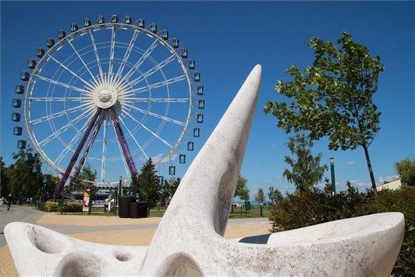 Huge ferris wheel in Siofok